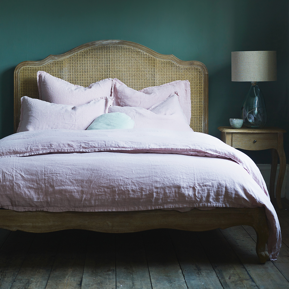 Zip Link Beds >> Luxury Beds | Metal, Wooden and Upholsters Bed Frames | Feather & Black