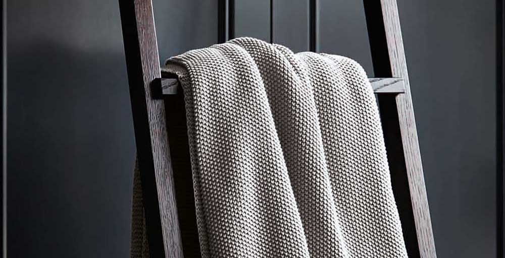 Moss Stitch Silver Throw