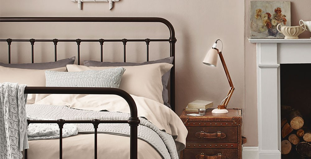Feather And Black Oliver Bed